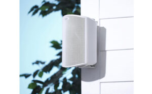 Read more about the article 10 Best Outdoor Rock Speakers In 2021