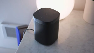 Read more about the article Bose Home Speaker 300 vs Sonos One. Best Smart Speaker?